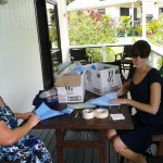 Vets learning to pack surgical kits